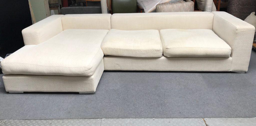 Cenova sofa1